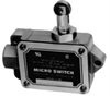 Enclosed Switches Series BAF/DTF: Top Roller Plunger; 2NC 2NO DPDT Snap Action; Actuator Position - Left -- DTF2-2RQ9-LH
