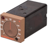 1/16 DIN On-Off Temperature Controllers -- 6100 Series - Image