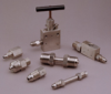 Medium Pressure Adapters -- X5Y - Medium Pressure Cross