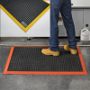 WEARWELL Heavy-Duty Drainage Mats With Colored Border -- 4324406