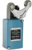 Enclosed Switches Series LS: Side Rotary with Yoke Style Lever; Steel Rollers; 1NC 1NO DPDT Snap Action, Maintained, Double Break; 0.5 in - 14NPT conduit; Plug-in -- 206LS1