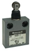 Miniature Enclosed Switches Series 914CE: Top Roller Plunger; 1NC 1NO SPDT Snap Action; 18 foot Cable -- 914CE31-18